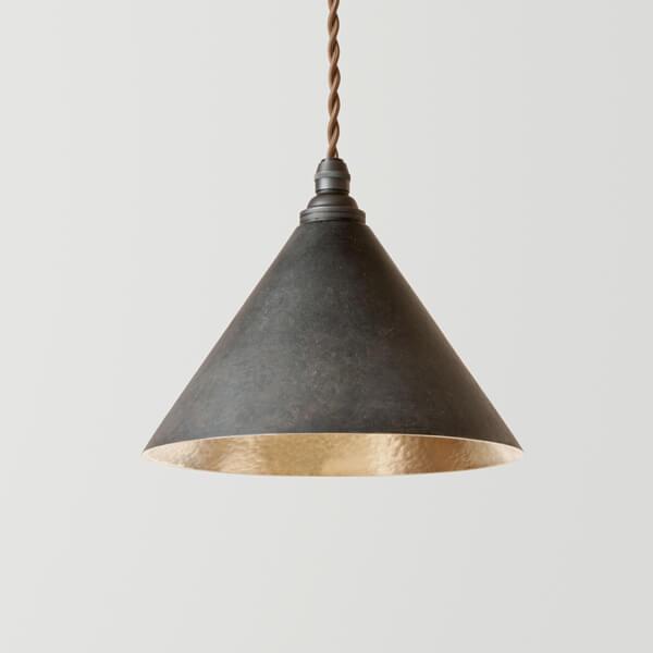 円錐のランプの写真