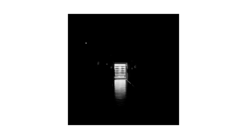 暗い廊下の写真