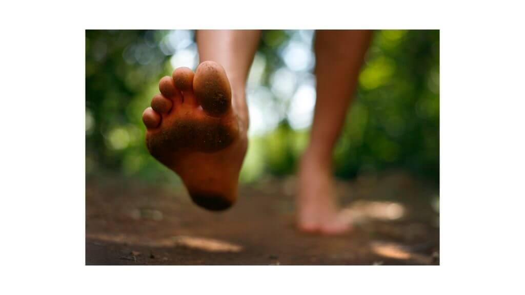 裸足の写真