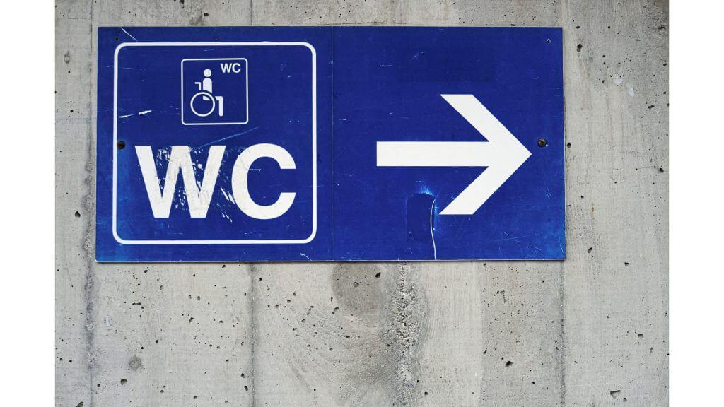 トイレの場所を示すサイン