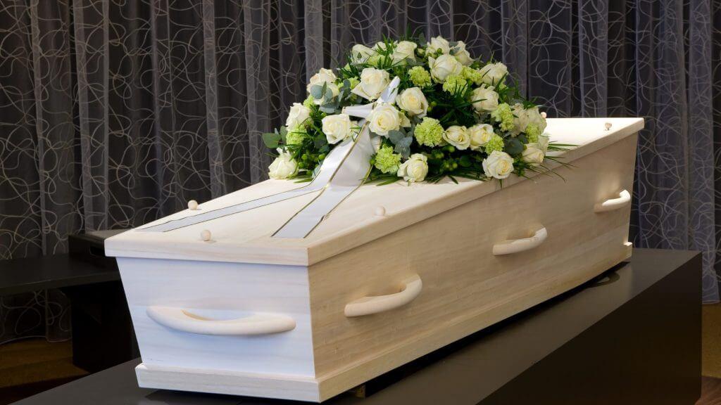 部屋に置かれた棺